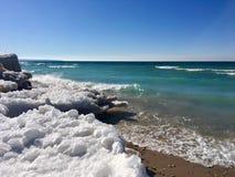 Zimy plaża na jezioro michigan w imperium, MI; Sypialny Niedźwiadkowy diuna obywatel Lakeshore Obraz Stock
