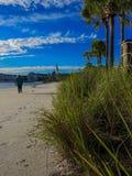 Zimy plaży przespacerowanie fotografia stock