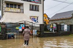 Zimy powódź w Transcarpathian regionie Ukraina Obrazy Royalty Free