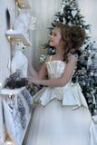 zimy princess przy choinką Obrazy Royalty Free