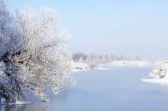Zimy rzeka Lód i mgła Zimy rzeka Lód i mgła Obraz Royalty Free