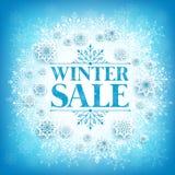 Zimy sprzedaży tekst w biel przestrzeni z Śnieżnymi płatkami Obrazy Royalty Free