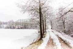 Zimy wsi droga Zdjęcie Royalty Free