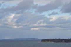 Zimy wyspa na morzu Fotografia Royalty Free