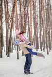 Zimy zabawy para figlarnie podczas zima wakacji vacati wpólnie Zdjęcie Stock