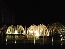 Zingende en dansende fonteinen stock foto's