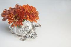 Zinnias em um vaso foto de stock royalty free