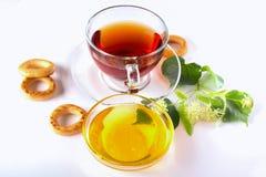 Ziołowej herbaty i bielu miód Obrazy Royalty Free