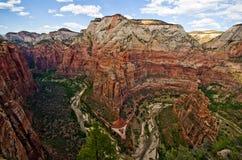 Zion Canyon som sett från änglar som landar på Zion National Park Royaltyfri Foto
