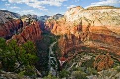 Zion Canyon som sett från änglar som landar på Zion National Park Arkivbilder