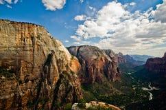 Zion Canyon som sett från änglar som landar på Zion National Park Arkivbild