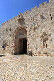 Zion Gate & kulhål, Jerusalem gammal stad Arkivfoton