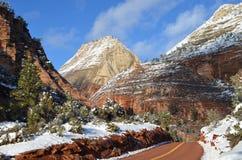 Zion National Park nell'inverno: Viste della strada principale 9 verso Kanab, Uth fotografie stock libere da diritti