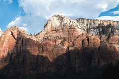 Zion National Park Viste del paesaggio delle montagne durante l'aumento nella luce del giorno Bello paesaggio U.S.A. Fotografie Stock