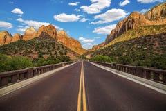 Zion Nationalpark-Brücke lizenzfreie stockbilder