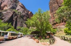 Zion park narodowy, Utah, usa 06/02/16: zion wahadłowa autobus w Zion N Obraz Royalty Free
