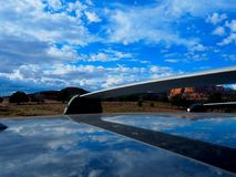 Zion Utah Sky Reflected no telhado do carro imagens de stock