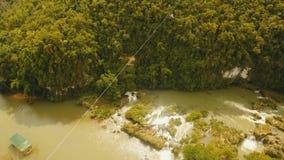 Zipline da atração na selva Bohol, Filipinas video estoque