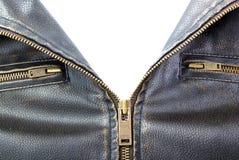 Zipper на коричневой кожаной куртке мотоцикла Стоковые Фотографии RF