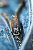 Zipper de Jean azul Fotos de Stock Royalty Free