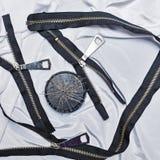 Zipper, filetez, des aiguilles de couture, couture Images stock