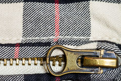 Zipper un détail d'haut étroit de jeans Photo stock