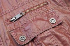 Zippered röd läderfacknärbild Royaltyfri Bild