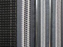 Zippers em uma mala de viagem Imagens de Stock