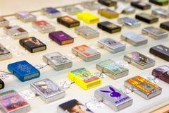 Zippoaanstekers voor verkoop royalty-vrije stock afbeelding