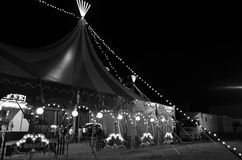 Zirkus am nigth stockbilder