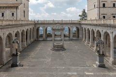 Zisterne im Kloster von Bramante, Benediktinerabtei von Montecassino Lizenzfreie Stockbilder