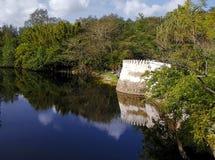 Zitadelle durch den See Stockbilder