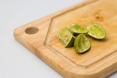 Zitrone auf Block Stockbild