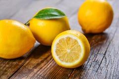Zitrone, das beste natürliche Vitamin Lizenzfreie Stockbilder