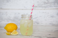 Zitrone-Hilfe Stockbild