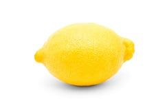 Zitrone im Fokus lokalisiert auf einem weißen Hintergrund Lizenzfreies Stockbild