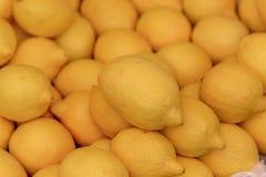 Zitrone im Markt Stockfoto