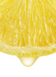 Zitrone mit Tropfen Stockfotos