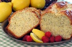 Zitrone-Mohn-Kuchen Lizenzfreie Stockfotografie