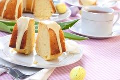 Zitrone-Ostern-Kuchen stockfotos
