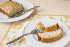 Zitrone Poppy Seed Bread Lizenzfreie Stockfotos