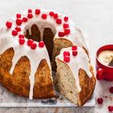 Zitrone Poppy Seed Bundt Cake stockfotos