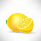 Zitrone und Hälfte der Zitrone Stockfotos