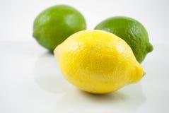 Zitrone und Kalke stockfoto
