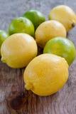 Zitrone und Kalke Lizenzfreie Stockfotos