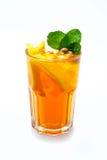 Zitronebalsamtee in einem Glas Stockfoto
