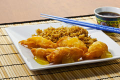 Zitronehuhn und gebratener Reis Stockfotografie
