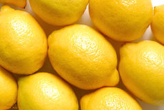 Zitronen auf weißer Zone Stockfoto