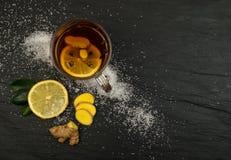 Zitronen-Gewürz-Tee-Bestandteile lizenzfreie stockfotografie