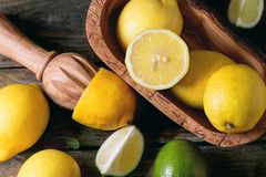 Zitronen und Kalke Stockbilder